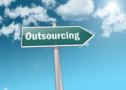 Szansą jest outsourcing